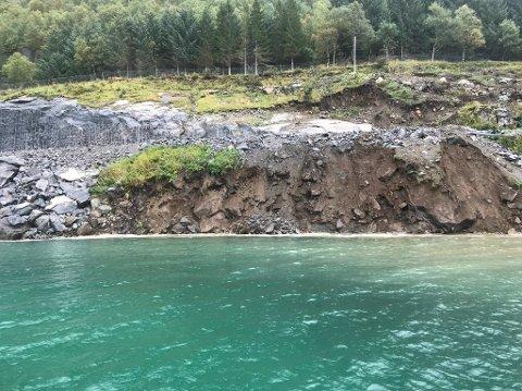 Skredet ved Liatinden startet i sjøen, og det er registrert massebevegelser helt ned på 50 meters dypt. Skredet er minst 200 meter bredt. Foto: PNC Norge AS