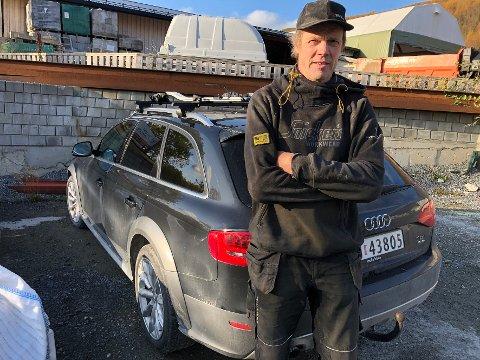 Misfornøyd: Jan-Ole Johansen fra Steigen er svært misfornøyd med at Telenor nekter å ta regningen for skaden på bilen hans.