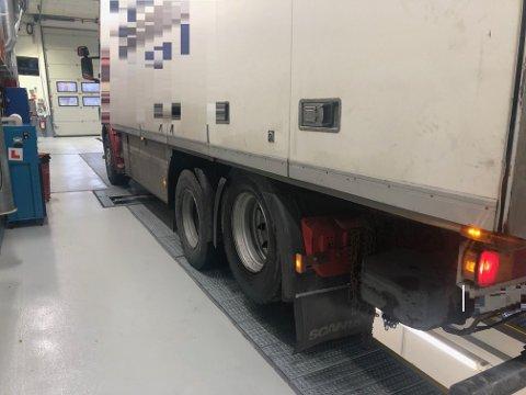 Den utenlandske lastebilen ble gitt bruksforbud.