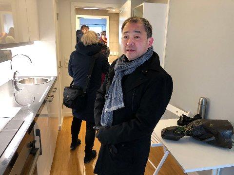FORRETNINGSMANN: Stephen Fu er blant annet kjent for å stå bak selskapet Nordic Smart House. Nå hjelper han kommune og helseforetak med å få tak i smittevernutstyr i en utfordrende tid.
