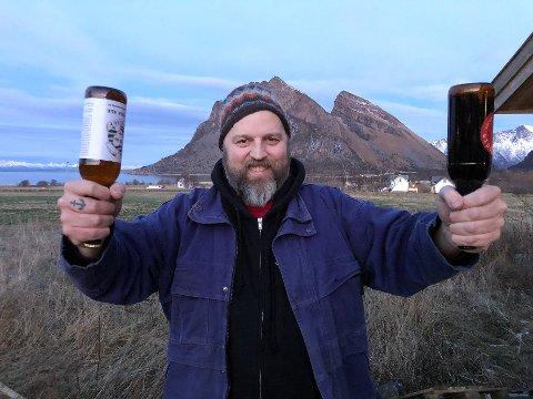 Ølbryggeren: Bjørn Anders Nymoen bruker bare sine egne oppskrifter når han produserer øl. – Jeg prøver meg fram og satser bare på øl som jeg selv synes smaker veldig, veldig godt, sier han.