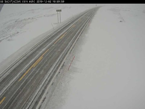 Slik så det ut på E6 over Saltfjellet i Nordland mandag morgen.