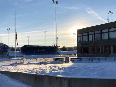 Halv stang på Fauske videregående skole etter dødsulykken i Saltdal. Begge var elever på Fauske.