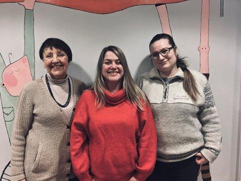 Berit Sivertsen Sørvig, Cathrine Hunstad-Ulriksen og Iris Søderholm mener at ungdomsskoler som har utsatt skolestarten på morgenen, har tatt et bra grep.