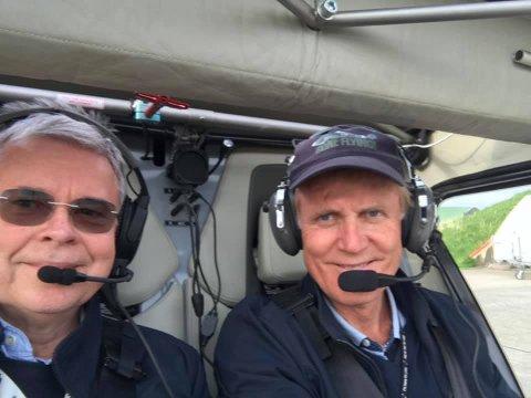 Historisk: Dag Falk-Petersen ved spaken og  Ole Henrik Hjartøy som co-pilot.