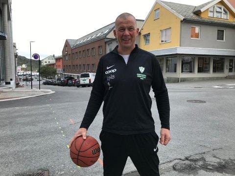 Ørjan Hustoft er fornøyd med starten til Innstranda IL Basket.