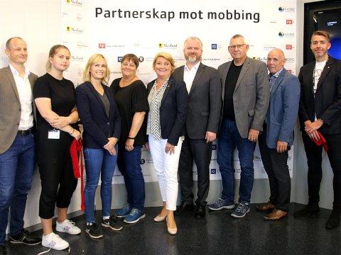 En rekke aktører har gått sammen i et regionalt partnerskap mot mobbing.