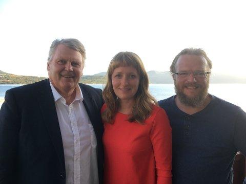 Pratet om veiprosjektet: KrFs stortingsrepresentant Hans Fredrik Grøvan (fra venstre), Ingelin Noresjø og Jens Kyed i Fauske KrF.