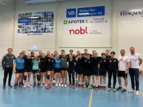 Over 20: Over 20 jenter og gutter møtte opp for å bli trent av trenerne fra Bodø, og for å høre om NTGs tilbud.