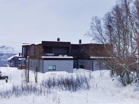 FERDIG: Husene i Hochlinvegen er ferdige, men står fortsatt ubrukt.