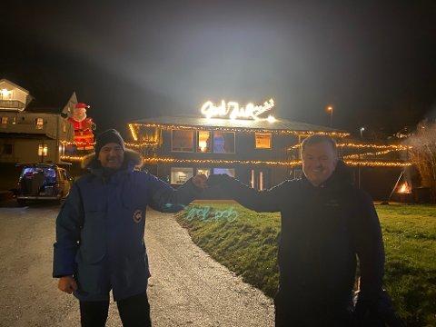 Per-Axel Hoftun og Jøran Nohr på Grønnåsen i Bodø har pyntet til jul. Mildt sagt.