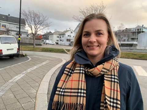 Camilla Arntzen Rizzo (39) ser fram til de syv nye medarbeiderne er på plass i Bodø. Foto: Espen Bless Stenberg