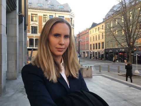 ALVORLIG: Aktor i saken, politiadvokat Karianne Worren, har ingen tro på at kvinnen ikke visste om karanteneplikten da hun gikk på jobb ved legesenteret.