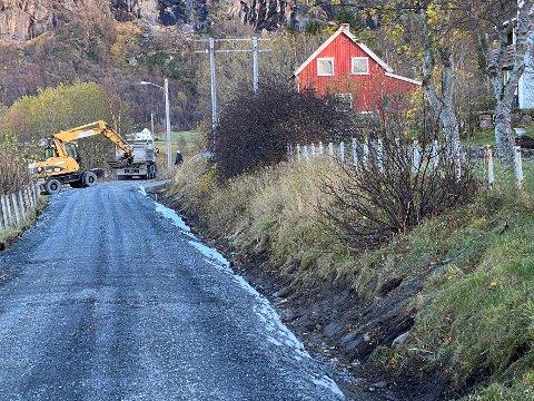 Vedlikehold: En kommunal veistrekning på Nordskot er blant annet blitt oppgradert ved hjelp av koronamidlene kommunen har fått.