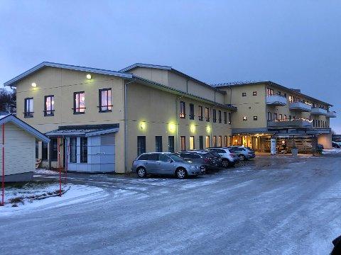Begrenset: På helse- og omsorgssenteret Steigentunet i Leinesfjord er det innført nye besøksregler på grunn av den økende smittesituasjonen i Hamarøy.