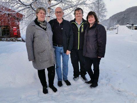 (Fra venstre) Lisa Grimstad og Tommy Edvardsen i Nordnes Camp & Bygdesenter sammen med Kjell-Sture og Berit Myrvang i Graddis Fjellstue som ønsker velkommen til matlavvo under Blåfrostfestivalen. Foto: Privat