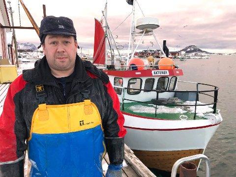 Flott yrke: Jan-Erik Andersen skryter av fiskeryrket. - Derfor håper jeg at kommunen blir i stand til å gjenopprette næringsfondet slik at i alle fall yngre personer som ønsker seg inn i yrket, kan få litt starthjelp, sier han.