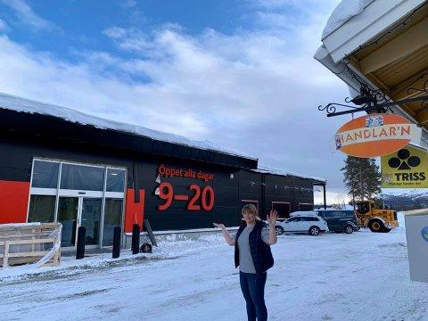 Onsdag denne uka åpner endelig den nye ICA-butikken i Jäckvik. Den drives av Anne Kirsti Westerlund, som siden 1993 har drevet Handlar´n, like ved. Foto: Privat