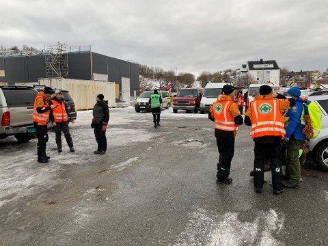 Norsk folkehjelp, Røde kors og politiet søkte etter mannen tirsdag morgen.