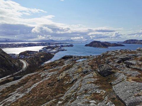 Utsikt fra Kvalvikfjellet