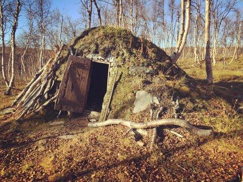 """Beritgammen på Jakobsbakken er en av flere turer som er med i det nye konseptet til Bedriftsidretten i Nordland, """"Perleturer i Salten""""."""