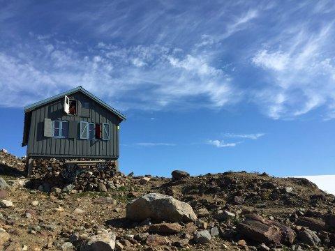 Mange vil til Tåkeheimen, som ligger i 1100 meters høyde ved Svartisen og ikke langt fra Helgelandsbukken.