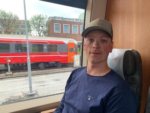 Sindre Stokland var blant passasjerene på den aller første togavgangen til svenske SJ.