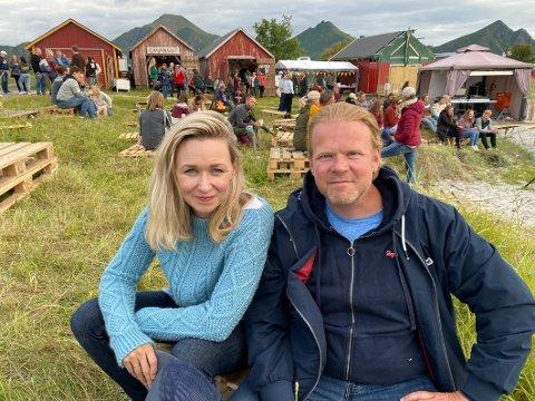 Roser: Skuespillerparet Marie Blokhus og Anders Basmo roser God Nok-festivalen. Blokhus mener den er landets viktigste, mens Baasmo sier at han elsker festivalen og synes den er helt fantastisk.