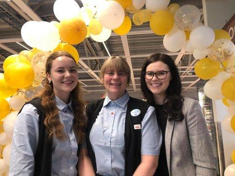 Bildet er tatt på åpningsdagen 26. februar i år. Fra venstre: Frida Westerlund (21), Anne-Kirsti Westerlund (52) og Ida-Maria Westerlund (26) Foto: Christian Andre Unosen