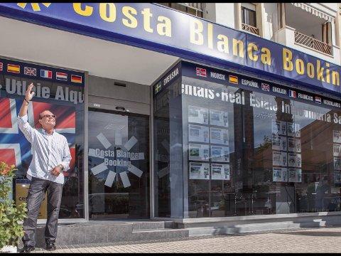 Per-Ivar Strømsnes flyttet fra Bodø til Albir i 1999, og har drevet Costa Blanca Booking siden. Eiendomsbransjen i Spania ble hardt rammet av koronakrisen, men Per-Ivars mantra har hele tiden vært å se fremover med kreativitet og optimisme.