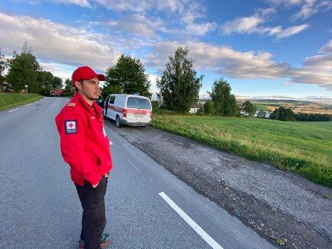 Har søkt: Røde Kors, her ved Lars Magne Furulund fra Nes Røde Kors Hjelpekorps har drevet søk i natt og morgentimene.