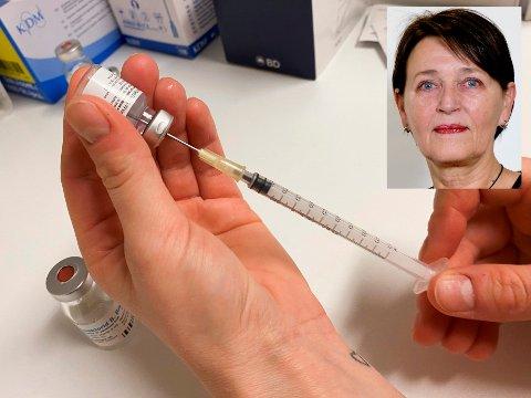 All fornuft tilsier at kommuner og byer med høy smitte bør få vaksinedoser nok til alle i utsatte grupper.