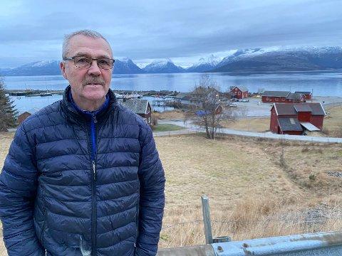 Vonbråten: Fred Eliassen får kritikk for framgangsmåten sin i et forsøk på å støtte arbeidet for å få satt ned fartsgrensen ved skolen i Nordfold. Det aksepterer han ikke.