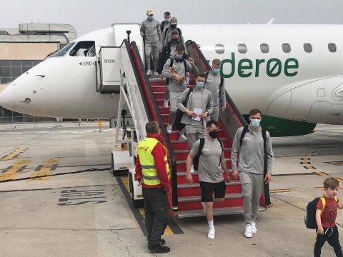 Flyet med Bodø/Glimt-spillerne ombord har landet på flyplassen i Malaga.