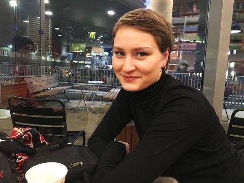 Studerer: Tora Alida Reinholdtsen er i ferd med å avslutte sin teaterutdanning i Oslo. I hovedstaden har hun fått flere muligheter til å vise hva hun duger til som skuespiller.