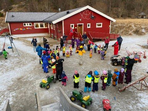 Nesten full: Etter utvidelsen av kapasiteten er det nå 44 unger i barnehagen og kun én plass ledig, ifølge oppvekstlederen i kommunen.