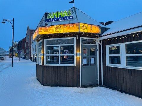 Mørke lokaler møter kundene som hadde håpet på burger til fredagsmiddag.
