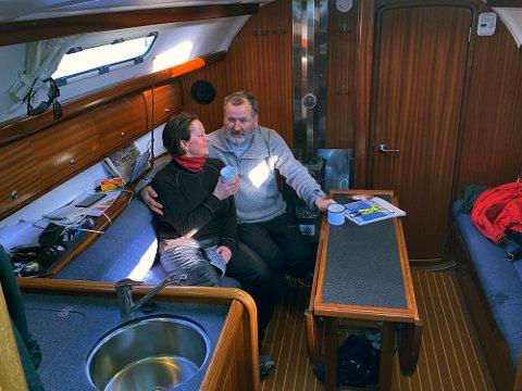 Å bo i seilbåten er et valg Birger og Ellen har tatt for blant annet å gjøre miljøavtrykket så lite som mulig.