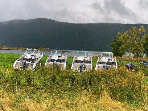 Utrygt: Tidligere var det trygt å vinterlagre båter og motorer på denne måten på Røssøya. Flere hendelser de siste månedene viser at det nå ikke er å anbefale.