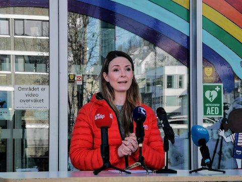 SMITTESPORING: Kommuneoverlege Kathrine Kristoffersen forteller hvordan kommunen jobber med smittesporingen.