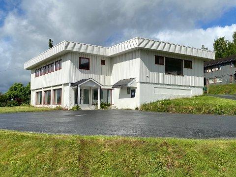 Eierskifte: Nesten fem år etter at Sparebanken Nord-Norge solgte dette bankbygget, er det igjen klart for et eierskifte.