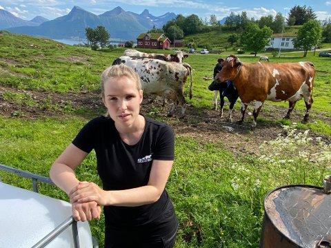 Alene på jobb: Mens hun tidligere hadde ansatt to veterinærer, er nå Maylene Johansen alene på jobb i bedriften sin. Hun kritiserer kommunen for situasjonen som har oppstått