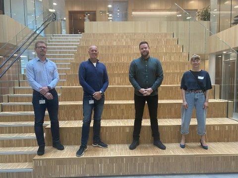 Fra venstre Prosjektleder Thomas Schulzki Teknisk avdeling i Bodø kommune, Kommunaldirektør Knut Hernes i Teknisk avdeling i Bodø kommune, Daglig Leder i Smartsky AS Thomas Dragseth og Edny-Beate Karlsen - Prosjektleder Smartsky AS.