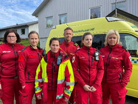 Har sagt opp: Dette er fem av de seks ambulansearbeiderne som har sagt opp jobbene sine i Steigen. Fra venstre Marte Dahl Olsen, vikar Maria Lillegraven, Ingebjørg Schrøder, Roger Kristensen, Marte Ørling Andresen og Mona Rist Nystad.