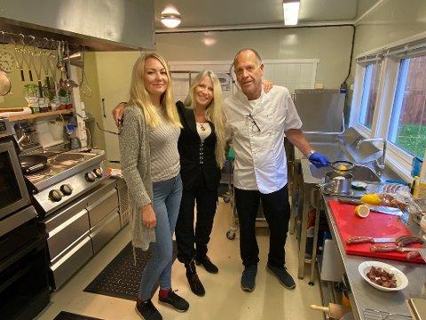 Gleder seg: Lillian Molstad-Andresen, her sammen med baker og servitør Turid Charlotte Pedersen Åsen og kokk Kjartan Erlingsson, gleder seg til å åpne sin nye restaurant om få dager.