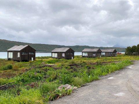 Har søkt: Det er nå søkt om ettergodkjenning slik at alle fire hyttene på Røssøya kan få stå der de er oppført, selv om to av dem er feilplasserte. Det er planer om ytterligere bebyggelse i hyttefeltet.
