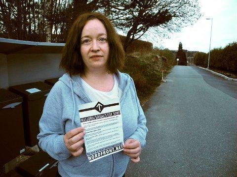 Reidun Skoge tar avstand for flygebladet som endte i postkassen hennes.