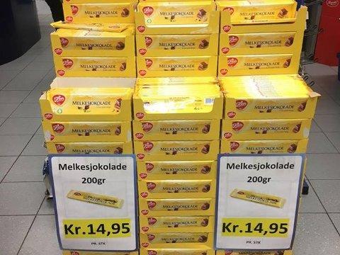 Melkesjokolade er blant produktene som har stupt i pris.