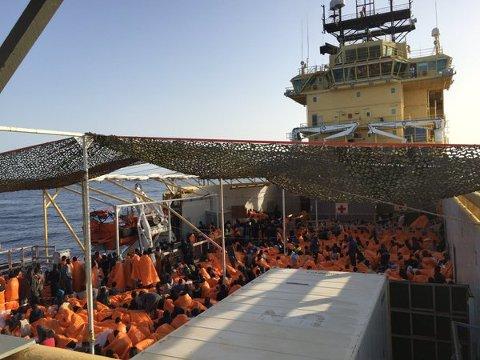 Den norske redningsbåten «Siem Pilot» reddet opp 1017 migranter utenfor kysten av Libya.