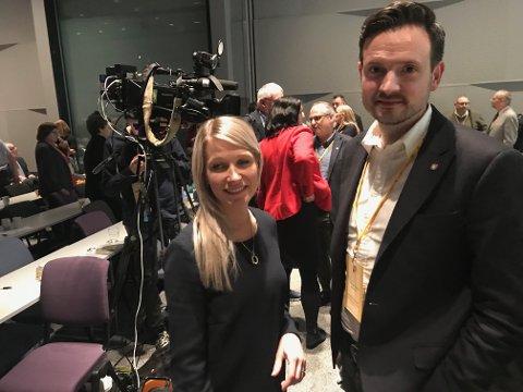 Rebekka Ljosland stemte blått, mens Dag Inge Ulstein stemte rødt. Ljosland «vant», men jublet ikke over seieren til den blå fløyen i partiet.
